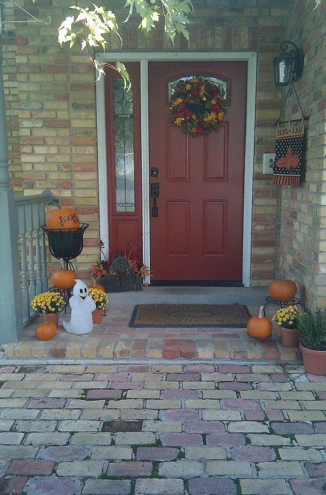 Pictures Of Porches Decorated For Fall