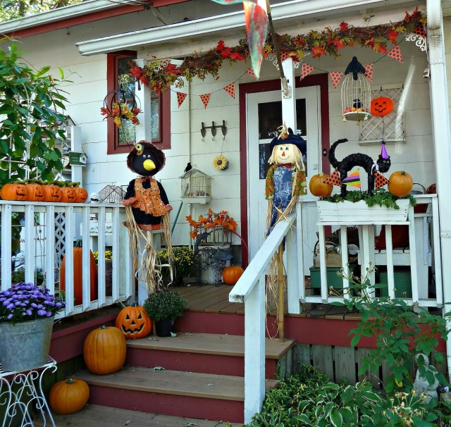 Pictures Of Porches Decorated For Halloween