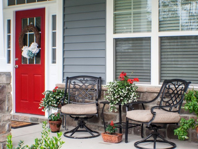 Small Front Porch Seating Ideas
