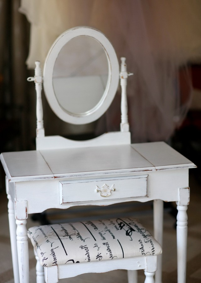 Vintage Vanity Table And Chair