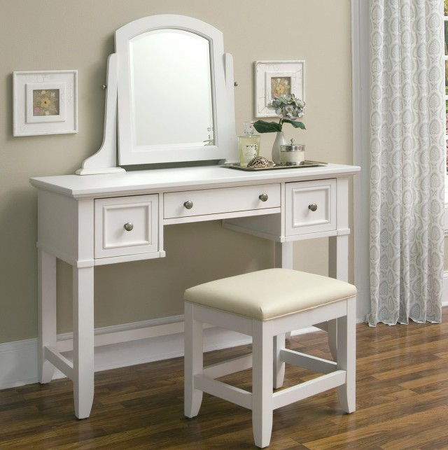 White Makeup Vanity With Drawers