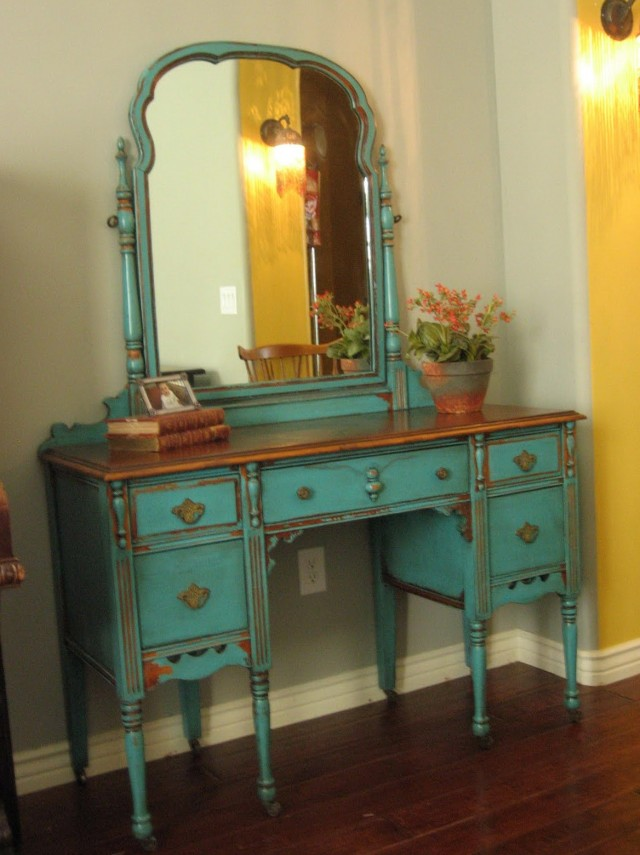 Antique Vanity Dressing Table With Mirror