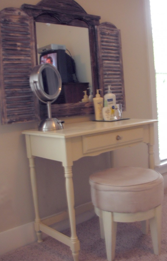 Bed Bath And Beyond Vanity Table