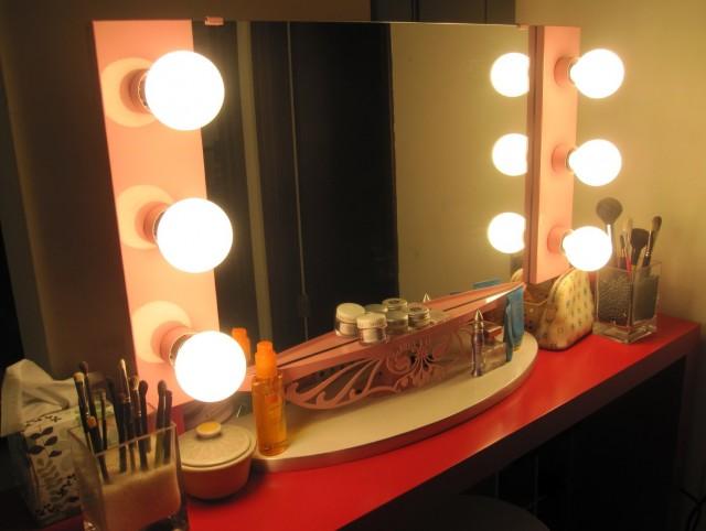 Broadway Lighted Vanity Mirror