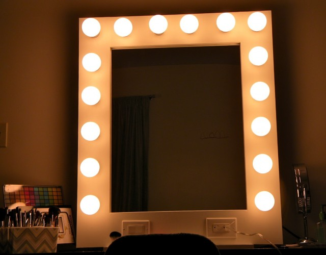 Broadway Lighted Vanity Mirror Amazon