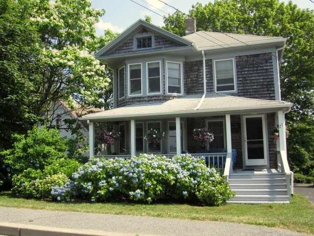 Cape Cod House Front Porch Ideas