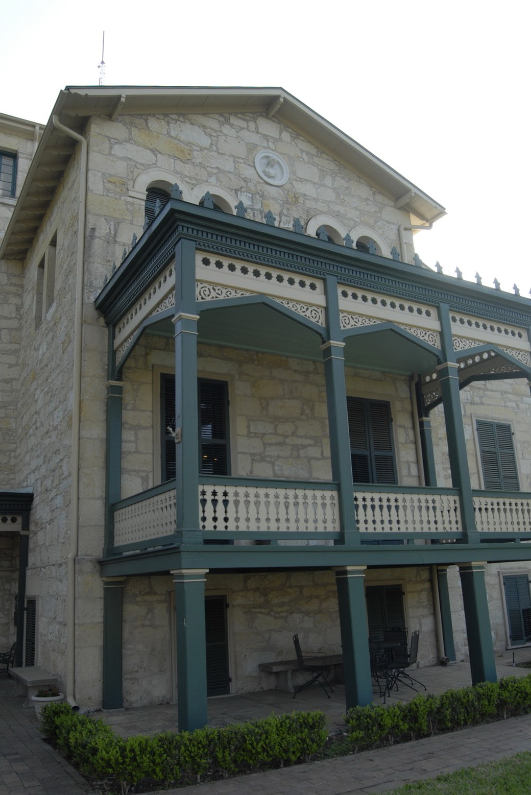 Colonial Style Homes With Front Porches
