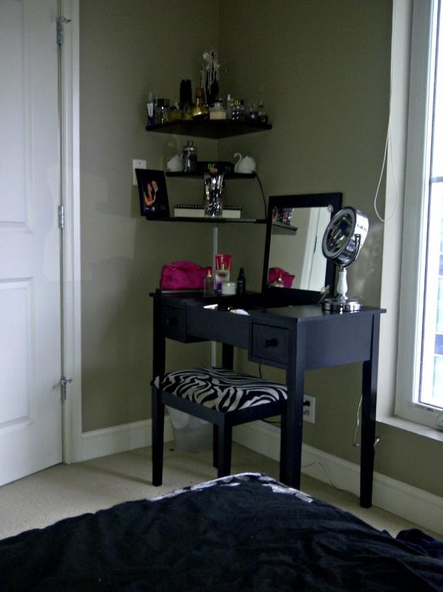 Corner Vanity For Bedroom
