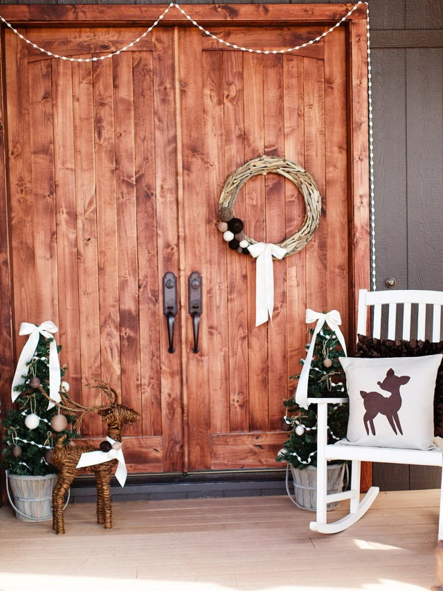 Country Front Porch Christmas Decorations