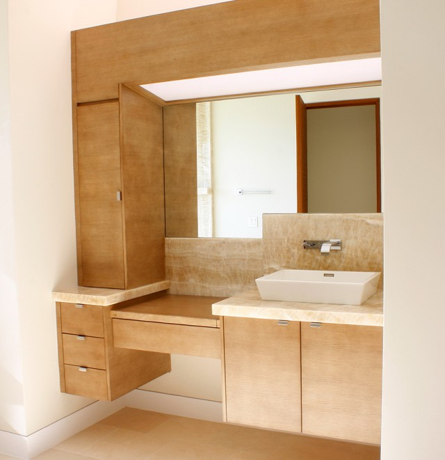 Custom Bathroom Vanity Online