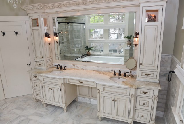 Double Sink Vanities With Makeup Area