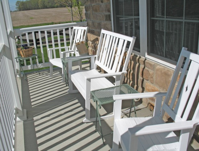 Front Porch Chairs And Table