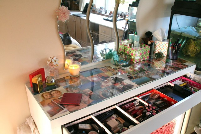 Glass Top Makeup Vanity Table