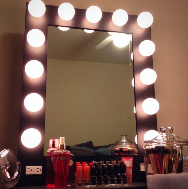 Lighted Mirror Vanity Girl Hollywood