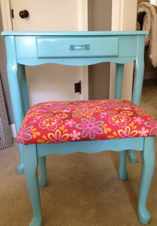 Little Girl Vanity Furniture