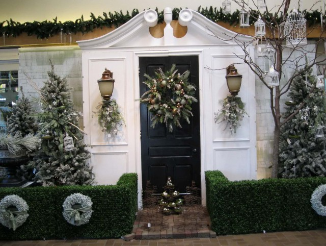Outdoor Christmas Decorations Front Porch