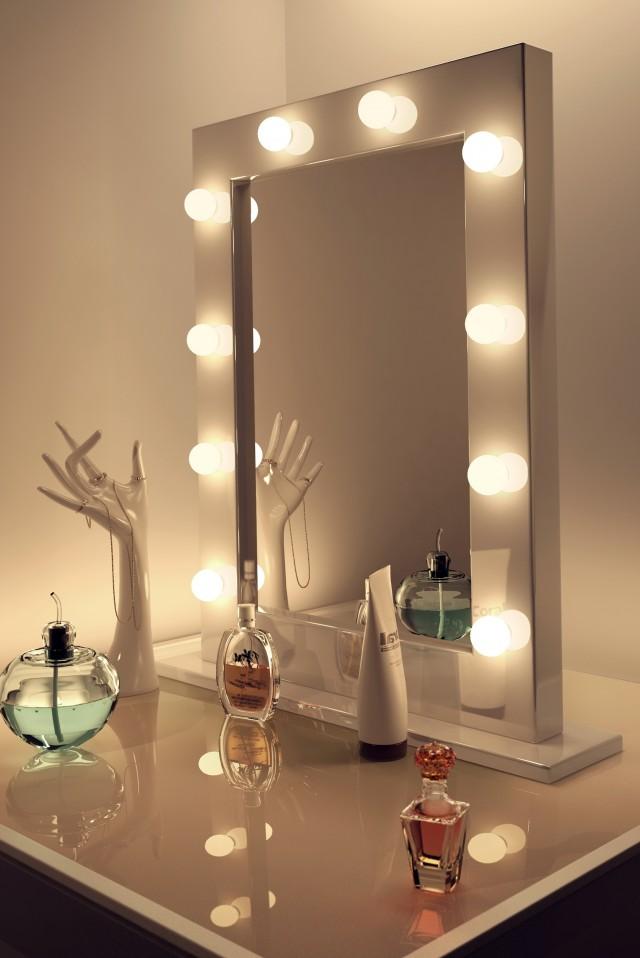 Vanity Makeup Mirror With Lights