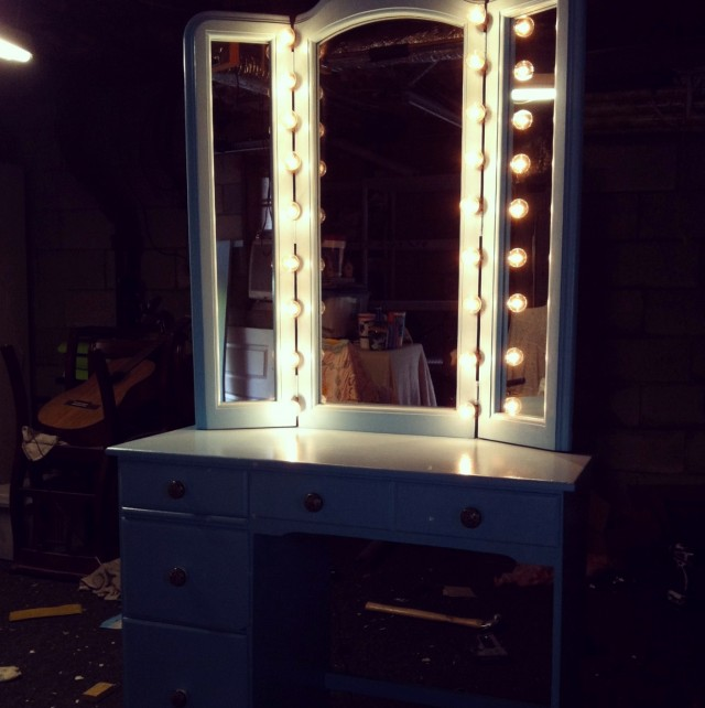 Vanity Mirror With Light Bulbs Home Depot