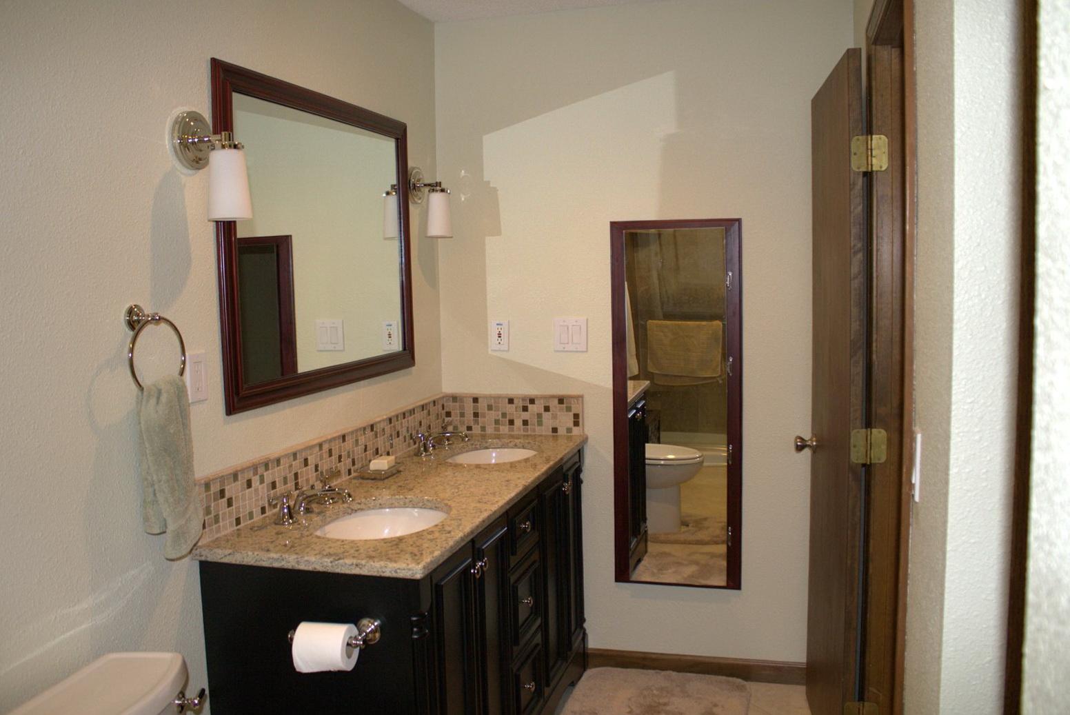 Bathroom Vanities Backsplash Ideas
