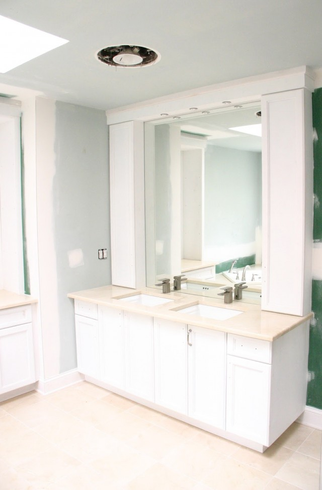 Bathroom Vanities With Upper Cabinets