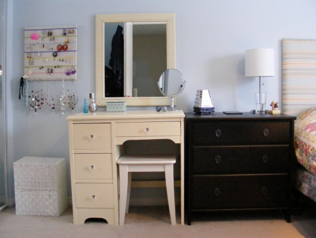 Bedroom Vanity Mirror Ideas