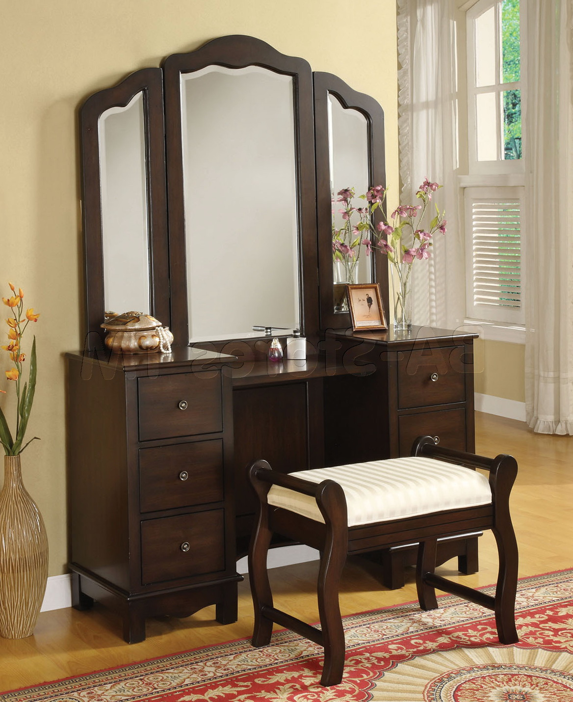 Black Bedroom Vanity With Tri Fold Mirror
