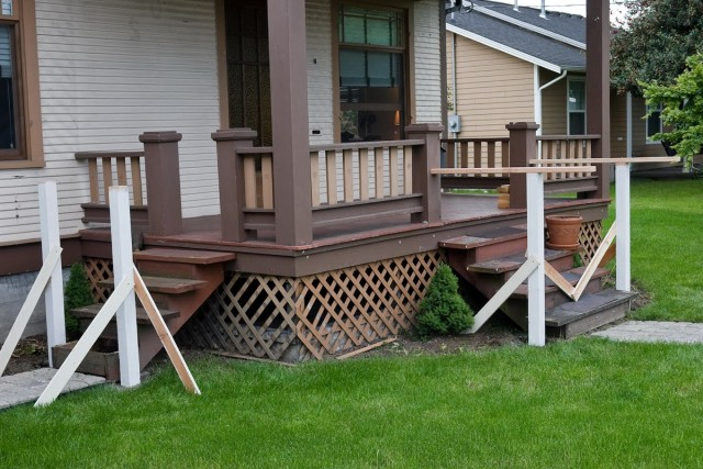 Front Porch Rail Designs