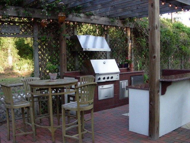 Outdoor Kitchen Screened Porch