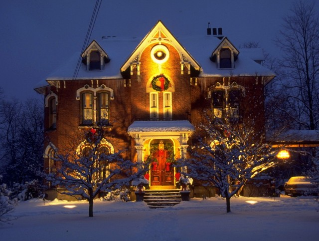 Outdoor Porch Decorating For Christmas