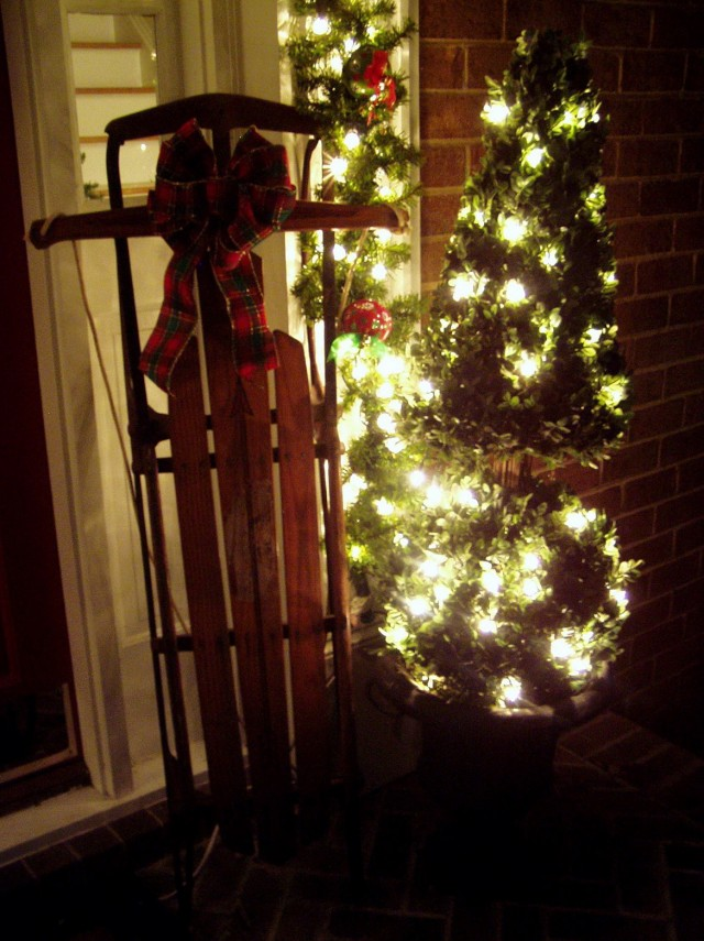 Pics Of Porches Decorated For Christmas