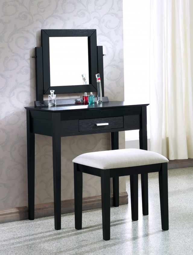 Small Bedroom Vanity With Mirror