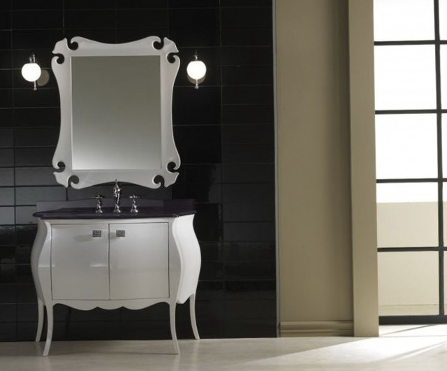 Traditional White Bathroom Vanities