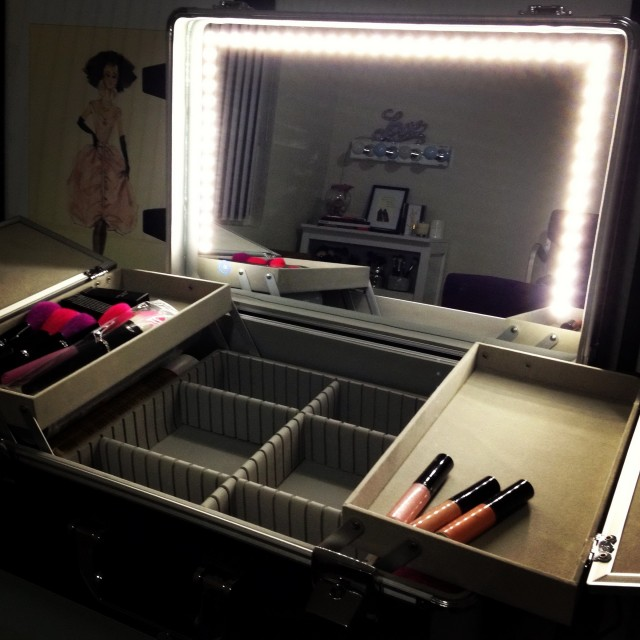 Vanity Case With Lighted Mirror
