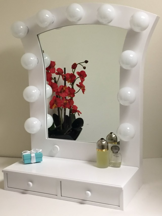 White Hollywood Vanity Mirror
