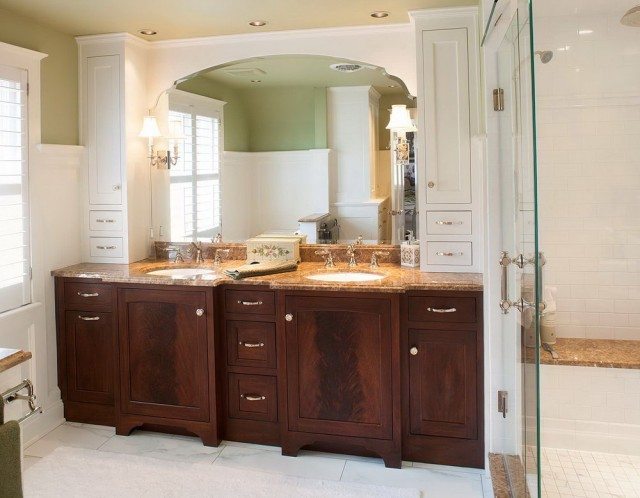 Double Vanity With Storage