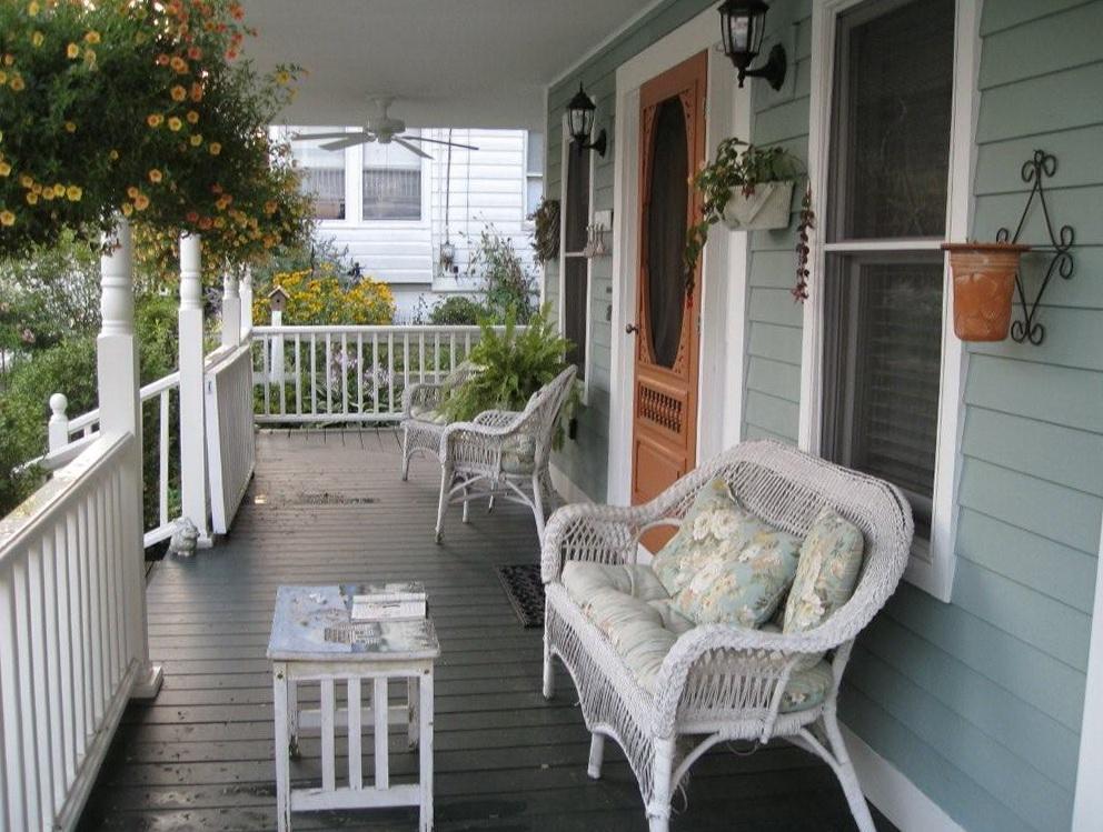 Front Porch Decorations Ideas