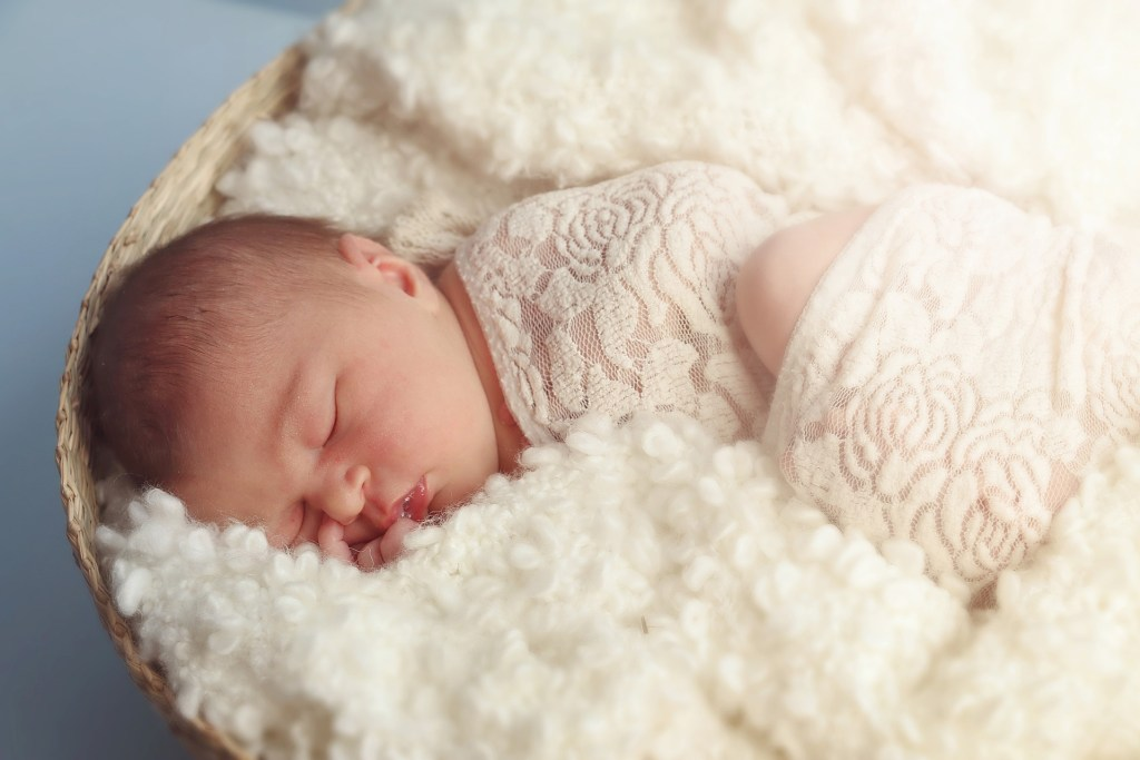 Eight Sleeping Tips for New Parents