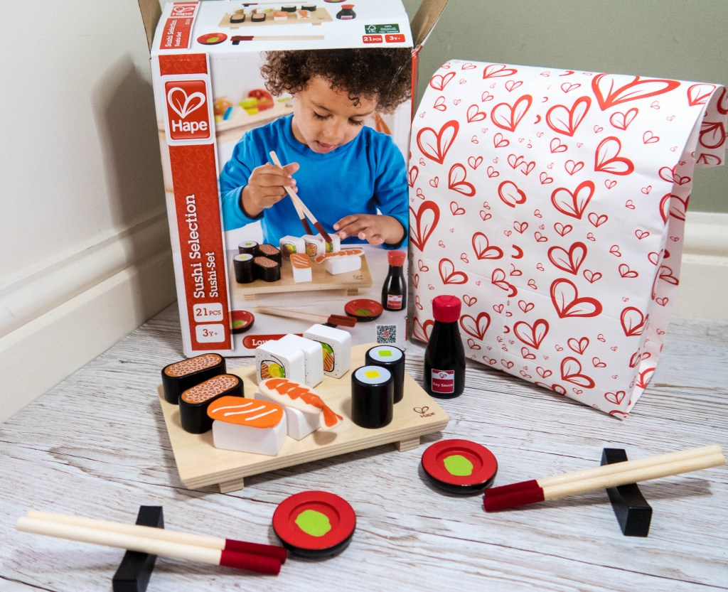 Wooden Sushi from Hape /Gift Ideas for 3-6 Year Olds: Gift Guide for Preschoolers Upwards