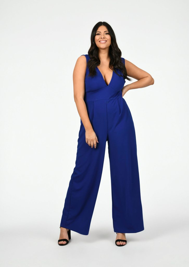 plus size jumpsuit for plus size wedding guest outfit ideas