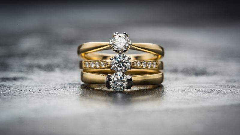 An Expert Technical Guide to Find the Best Gold Diamond Rings in Singapore