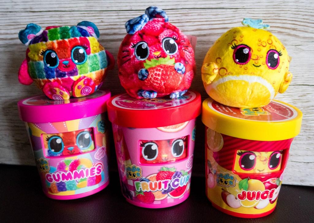 Foodie Roos Gummies, Fruit Cup, Juice
