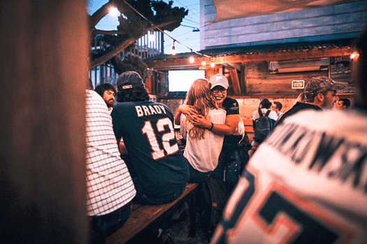 happy-patriots-fans-at-Connecticut-yankee-in-san-francisco