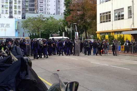 Hong_Kong_fishball_Special_Tactical_Squad_clear_Sai_Yee_Street_Credit_WPCPEI