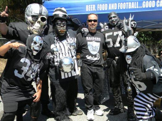 Sports-raiders-fan-convention