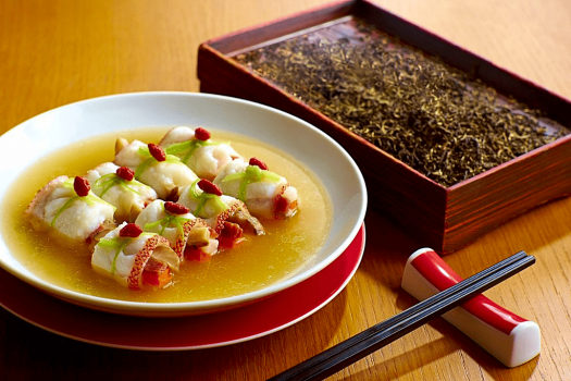 image-of-cantonese-food-at-the-chinese-restaurant-hyatt-regency-hong-kong-tst