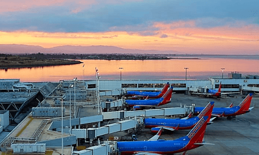 image-of-southwest-airways-jetliners-at-oakland-international-airrport