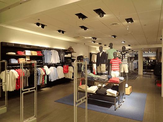 Sweden-stockholm-shopping-brothers (5)