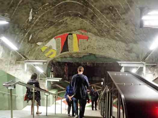 Sweden-stockholm-rainbow-flag-tour (36)