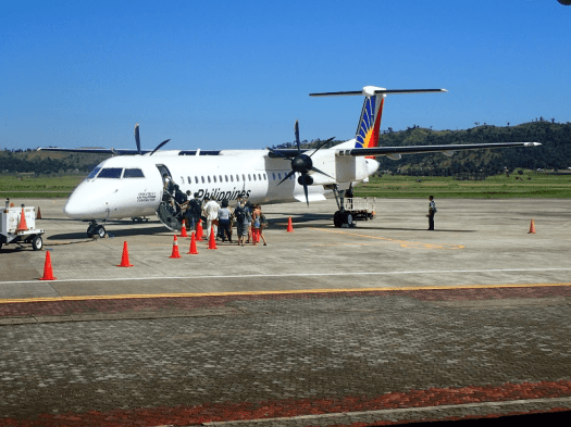 image-of-philippine-airlines-prop-jet-at-coron-airport-in-the-philippines