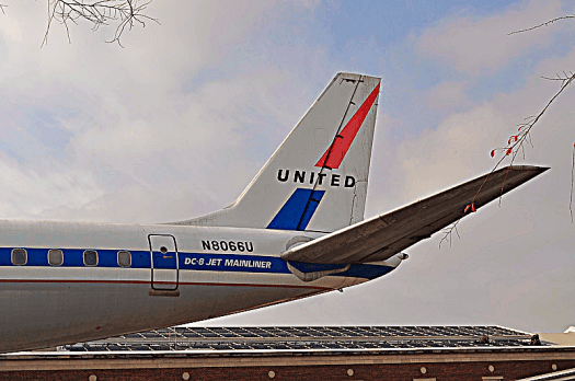 Aviation-united-airlines-DC_8_credit_skinny_lawyer